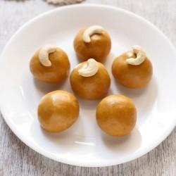 Homemade Besan Laddu